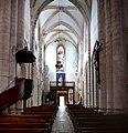 Nef depuis le choeur de l'église abbatiale Saint-Pierre de Marcilhac-sur-Célé.jpg