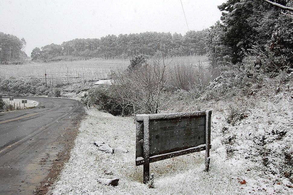 Neve na SC-438 em São Joaquim