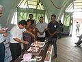 Newiki 12 cake party08.JPG