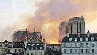 Notre-Dame de Paris, Incendie 15 avril 2019 20h07.42.jpg