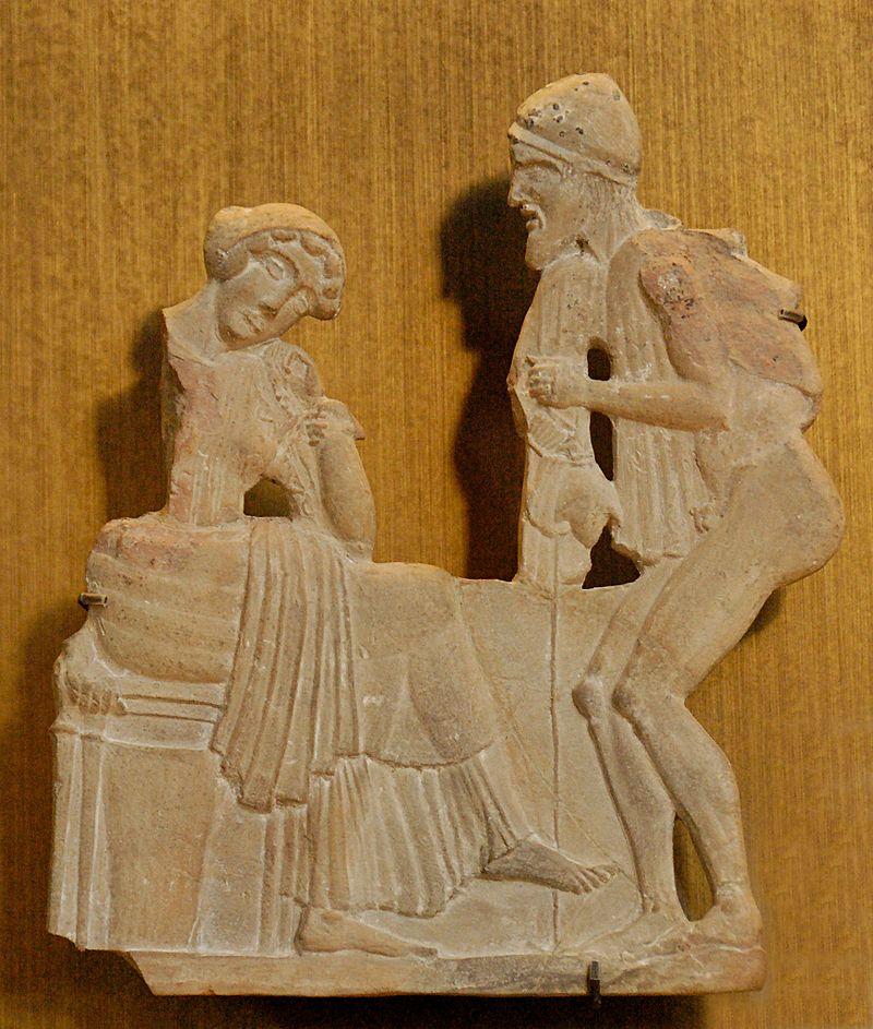 Terracota hallada en Milo 450 a. C., hoy en el Louvre, muest 800px-Odysseus_Penelope_Louvre_CA860