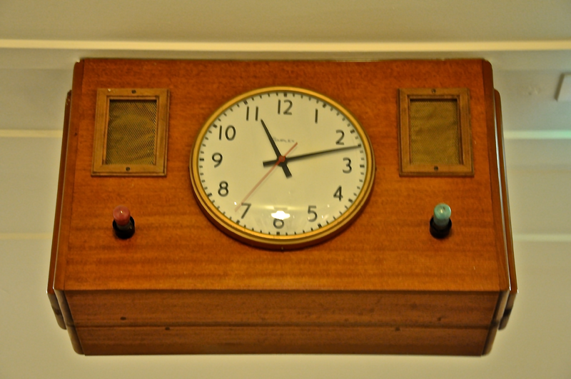 File:Old Parliament House, Canberra, Clock.png