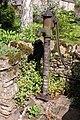 Old water pump - geograph.org.uk - 177188.jpg