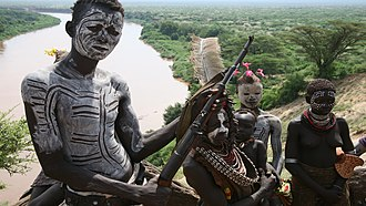 Children in the military - Children of the Omo Valley in Ethiopia