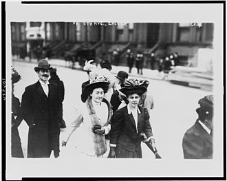 Easter parade - Image: On 5th Avenue, Easter LCCN93502601