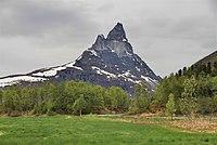 Otertinden as seen from the southeast, Signaldalen, 2011 June.jpg