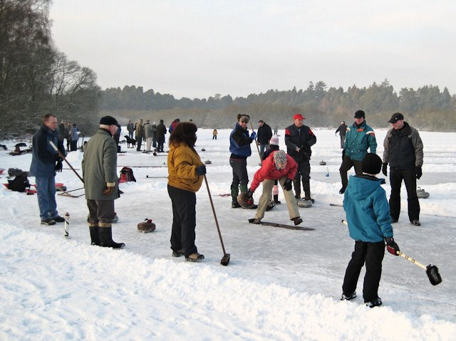 Outdoor curling on Stormont Loch - geograph.org.uk - 1655114