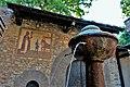 P1170117 borgo medioevale una fontane.jpg