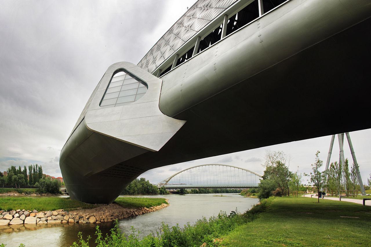 Pabellón Puente y Puente del Tercer Milenio.jpg