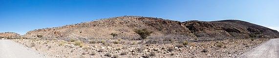 Paisaje en el parque nacional de Namib-Naukluft, Namibia, 2018-08-06, DD 09-14 PAN.jpg