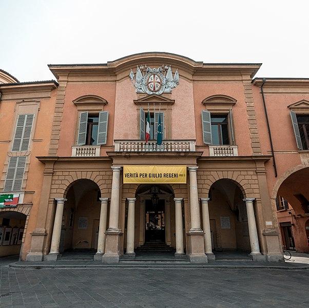File:Palazzo Municipale shot by 9thsphere.jpg