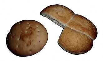 Chilean cuisine - Chilean breads Hallulla and Marraqueta