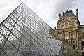 Paris-Louvre-030-Pyramide-2004-gje.jpg