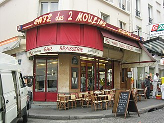 Amélie - Amélie works at the Café des 2 Moulins in Montmartre