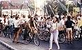 Parto de la 800-persona Esperanto-demonstracio en la IJK 1983.jpg
