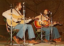 Pat Alger and Artie Traum, musicians, onstage at Norwich, U.K., 1978.jpg