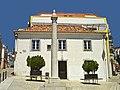 Pelourinho de Sesimbra - Portugal (3335106633).jpg