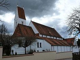 Pfarrkirche St. Stephan Bonstetten, Turm und Chor um 1500, Langhaus 1982 neu erbaut; mit Ausstattung.