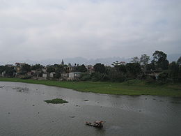 Phủ Lý on the river Đáy