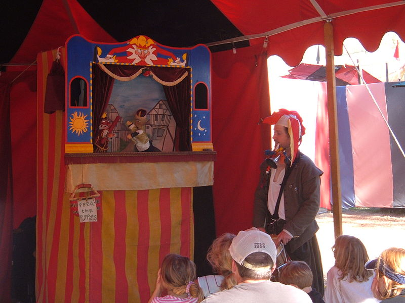 File:Piccolo Puppet Players at Norcal Ren Faire 2010-09-19 4.JPG