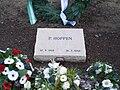 Pieter Hoppen grafsteen.jpg