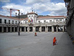 Plaza Mayor, Hoyo de Manzanares.JPG