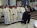 Podczas uroczystej mszy św. (8706128015).jpg