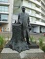 Pomnik adama loreta front.jpg