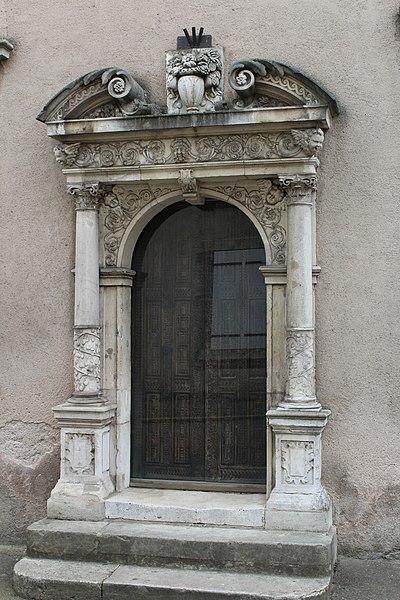Pont-à-Mousson, portal to the museum