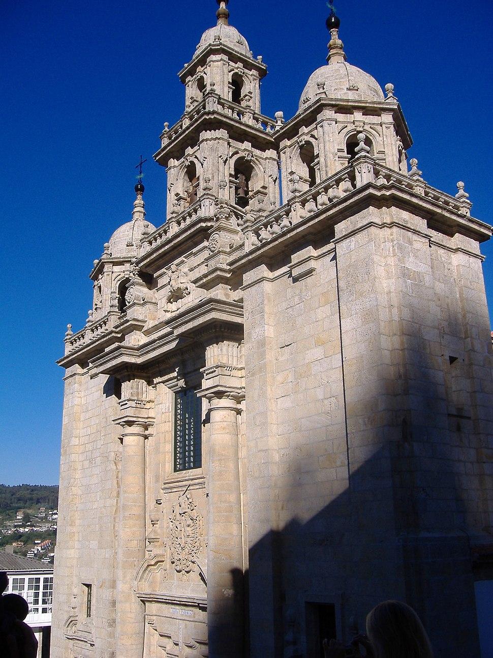 Pontedeume. Igrexa de Santiago