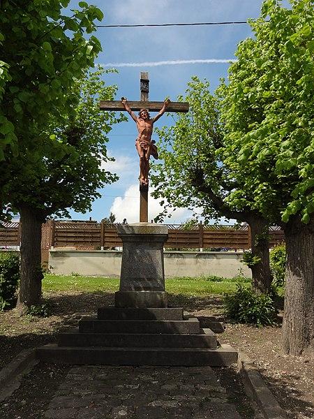 Pouilly-sur-Serre (Aisne) croix de chemin