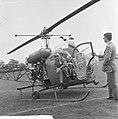 Prins Bernhard bij finish ronde van Nederland, aankomst prins per helikopter, Bestanddeelnr 917-7784.jpg