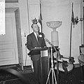 Prins Bernhard installeert curatorium van de Stichting Volk en Verdediging op Pa, Bestanddeelnr 917-2276.jpg