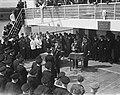Prins Bernhard reikt onderscheidingen uit Kaptein Romein, Bestanddeelnr 902-7212.jpg
