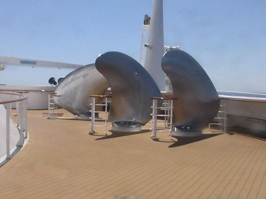 QM2-propeller-spares