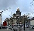 Rénovation du palais de justice de Bruxelles et grue en décembre 2019.jpg