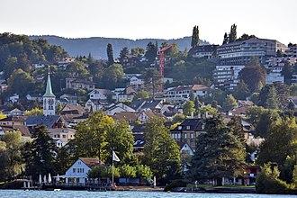 Rüschlikon - Rüschlikon and its church as seen from Zürichsee-Schifffahrtsgesellschaft (ZSG) ship MS Helvetia
