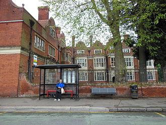 Grade II* listed buildings in Broxbourne (borough) - Image: Rawdon House, Hoddesdon (geograph 3508722)