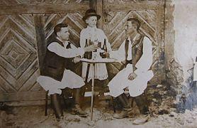 Dumitru Isfănut (în dreapta fotografiei), Banat.