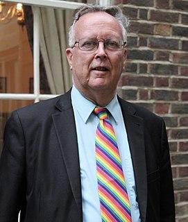 Robin Wilson (mathematician) British mathematician