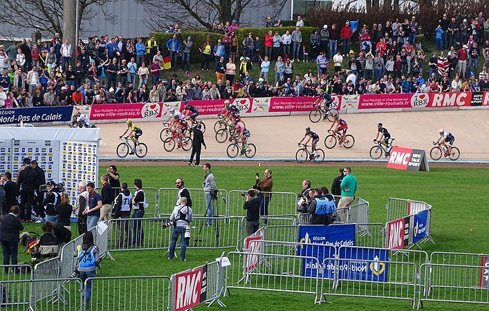 Roubaix - Paris-Roubaix, 12 avril 2015, arrivée (A34).JPG