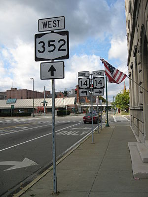 New York State Route 352 - NY 352 heading westbound towards the intersection with NY 14 in Elmira