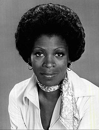 https://upload.wikimedia.org/wikipedia/commons/thumb/3/30/Roxie_Roker_1976.JPG/200px-Roxie_Roker_1976.JPG