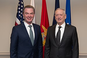 Christopher Pyne - Pyne with Jim Mattis, the United States Secretary of Defense, in April 2017