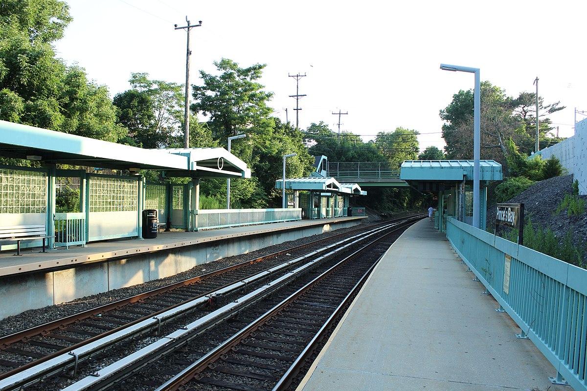Huguenot Staten Island Railway Station