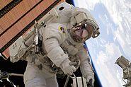 STS-131 EVA3 Clayton Anderson 3