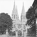 Saint Fin Barre's Cathedral Gothic Grandeur Gloriously Guarded (17858387904).jpg
