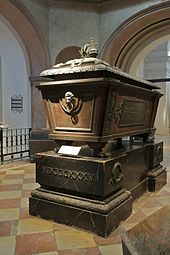 Sarcophagus of Francis I in the Imperial Crypt (Source: Wikimedia)