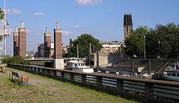 Schwanentorbruecke Duisburg
