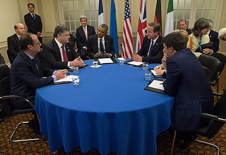 Ukrainian President Poroshenko speaks with Barack Obama and other Western leaders during the NATO Summit in Newport, 4 September 2014 Secretary Kerry Joins President Obama for Meeting With Ukrainian President Poroshenko Before NATO Summit in Wales (14950820747).jpg